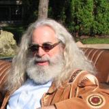 Joel Simms (Dr. Mo)